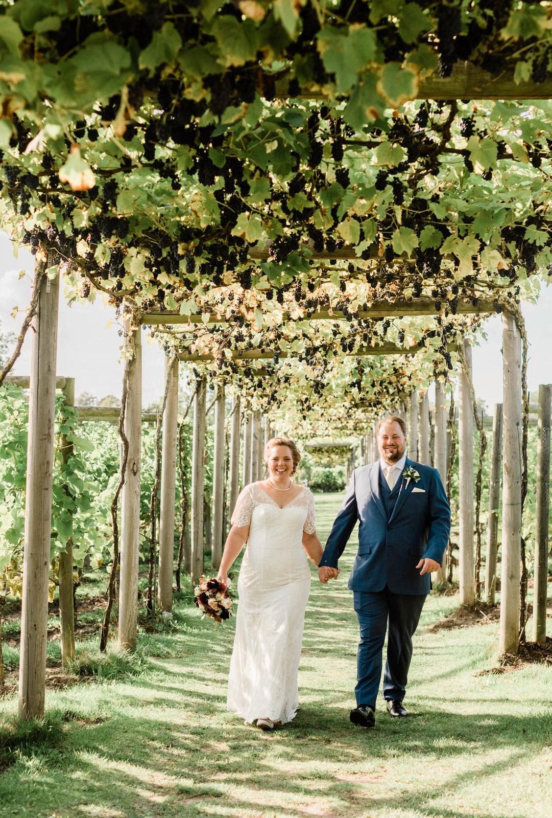 Vingårdsbröllop bröllopsfotograf Stockholm helloalora