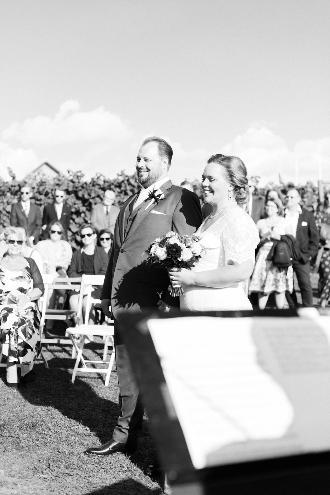 Utomhusvigsel bröllopsfotograf stockholm helloalora
