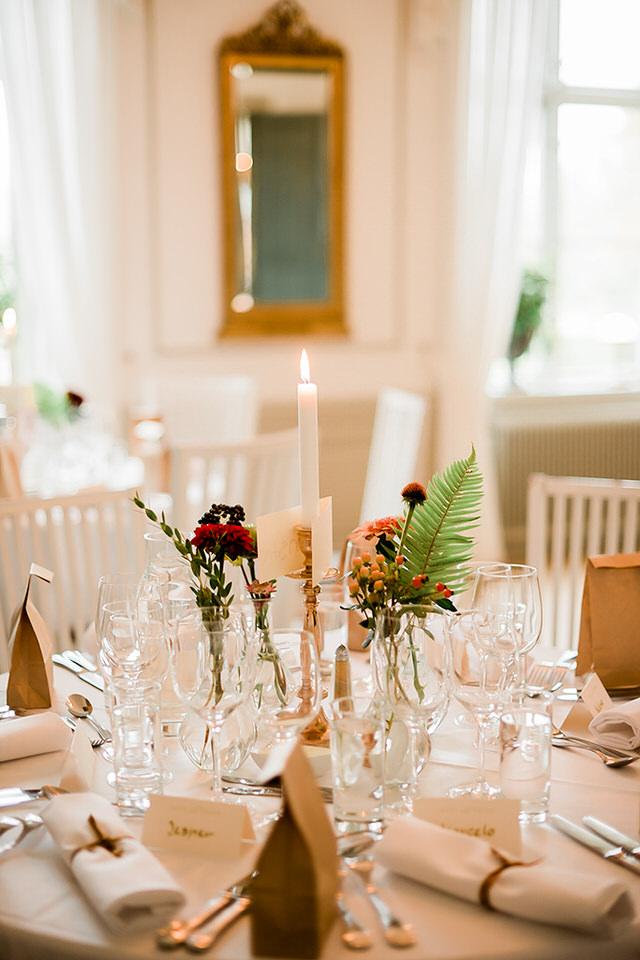 Bröllopsdukning Schenströmska Herrgården bröllopsfotograf stockholm helloalora