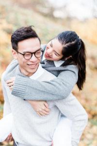 Engagement session kärleksfotografering bröllopsfotograf helloalora