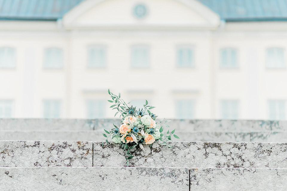 Slottsbröllop Hedenlunda Slott kontakt helloalora bröllopsfotograf stockholm